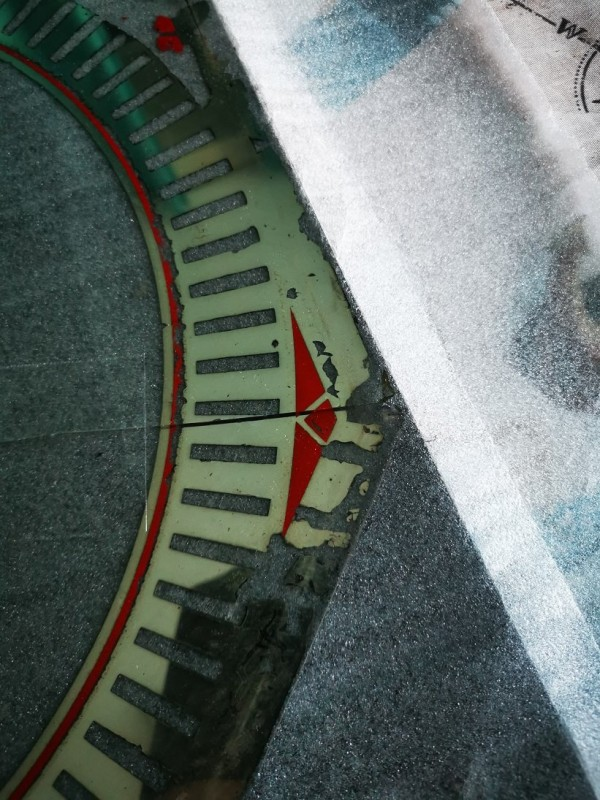 Spinner clock glass detail.jpg