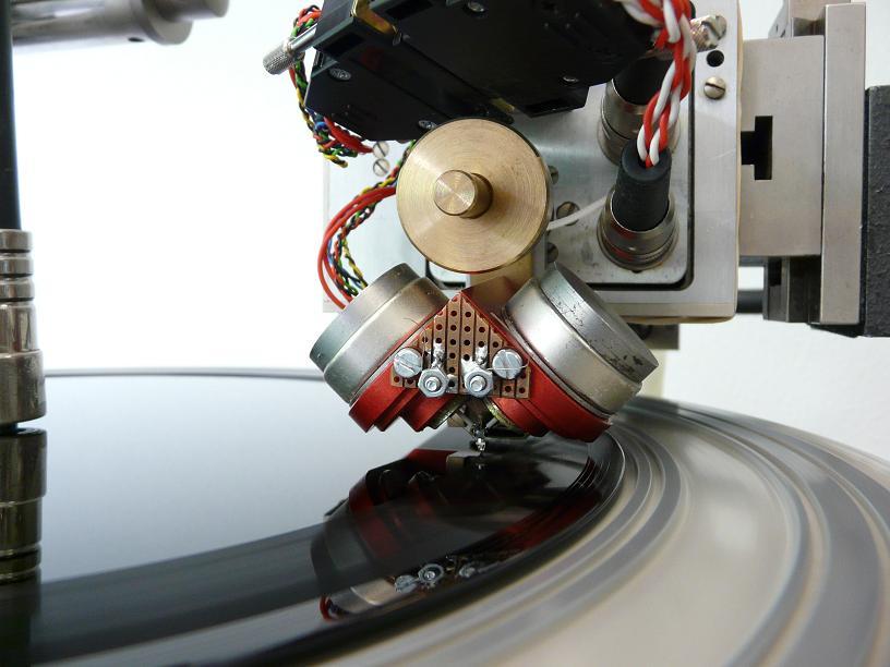 Gravure d'un disque acétate sur une machine Neumann